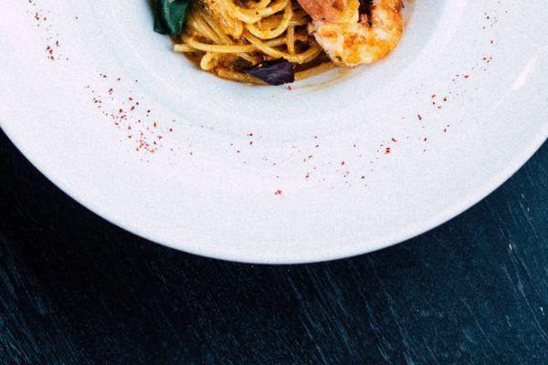espaguetis con gambas y ajo